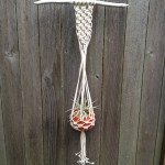 Faire Un Noeud Driftwood Macramé Plant Hanger with Vintage Glazed Pot